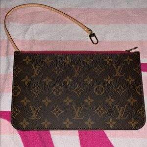 🔴Louis Vuitton GM Monogram Wristlet